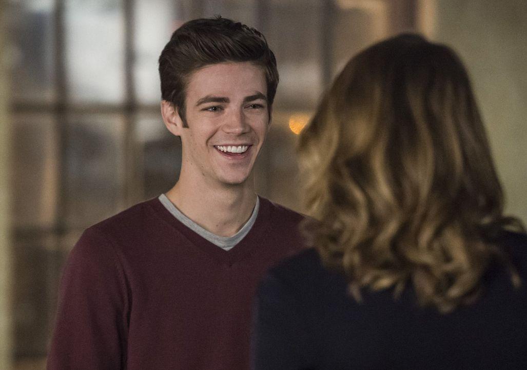 Barry (Grant Gustin) steht nicht nur als Superheld vor einigen Herausforderungen ... - Bildquelle: 2015 Warner Brothers.