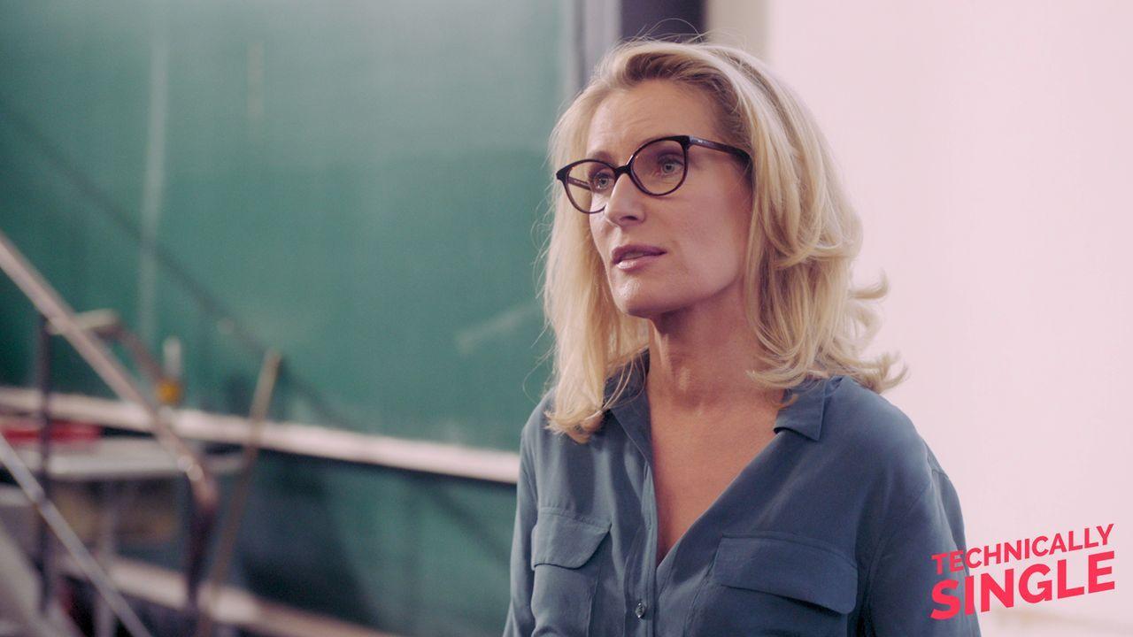 Die Professorin - Bildquelle: COCOFILMS / KARBE FILM