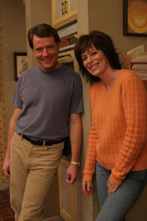 Obwohl Hal (Bryan Cranston, l.) von der Idee, dass Chad bei Ihnen übernachtet, nicht begeistert ist, erlaubt es Lois (Jane Kaczmarek, r.) ... - Bildquelle: TM &  2005 - 2006 Twentieth Century Fox Film Corporation and Regency Entertainment (USA), Inc.