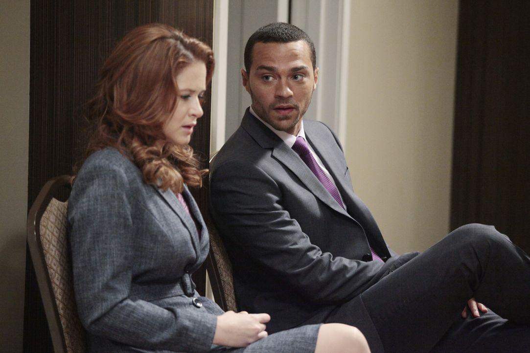Ihre mündlichen Prüfungen stehen an: Jackson (Jesse Williams, r.) und April (Sarah Drew, l.) ... - Bildquelle: Touchstone Television