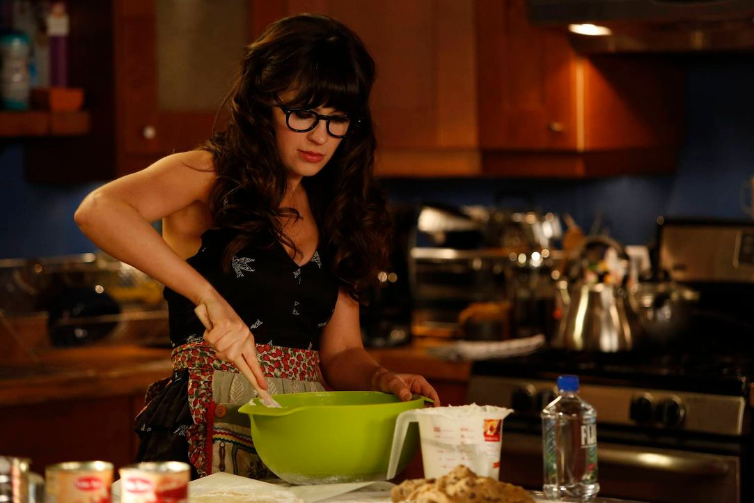 Aus Langeweile beginnt die arbeitslose Jess (Zooey Deschanel) zu Kochen, Putzen und Basteln, was ihren Mitbewohnern ziemlich auf den Senkel geht ... - Bildquelle: 2012 Twentieth Century Fox Film Corporation. All rights reserved.