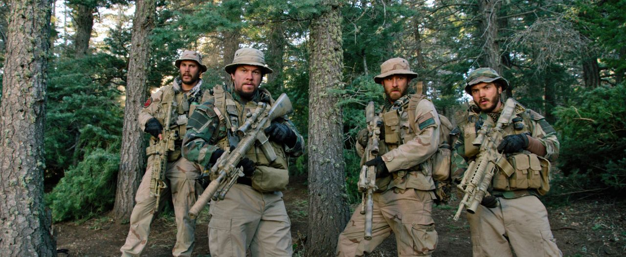 Während des Krieges in Afghanistan führen die amerikanischen Streitkräfte am 28. Juni 2005 die Operation Red Wings durch, deren Ziel die Tötung des... - Bildquelle: Universal Pictures