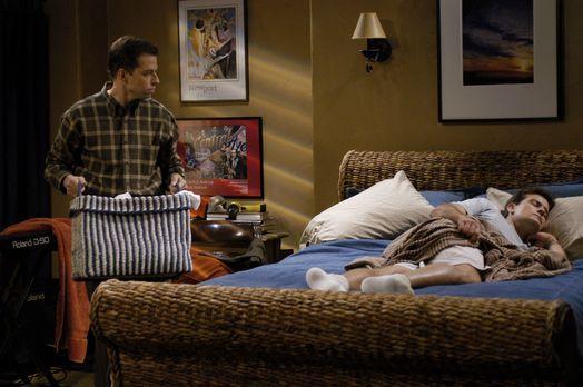Two and a Half Men - Nachdem Berta gekündigt hat, da sie sich von Alan (Jon C...