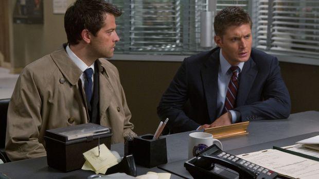 Dean (Jensen Ackles, r.) und Castiel (Misha Collins, l.) sind immer noch auf...