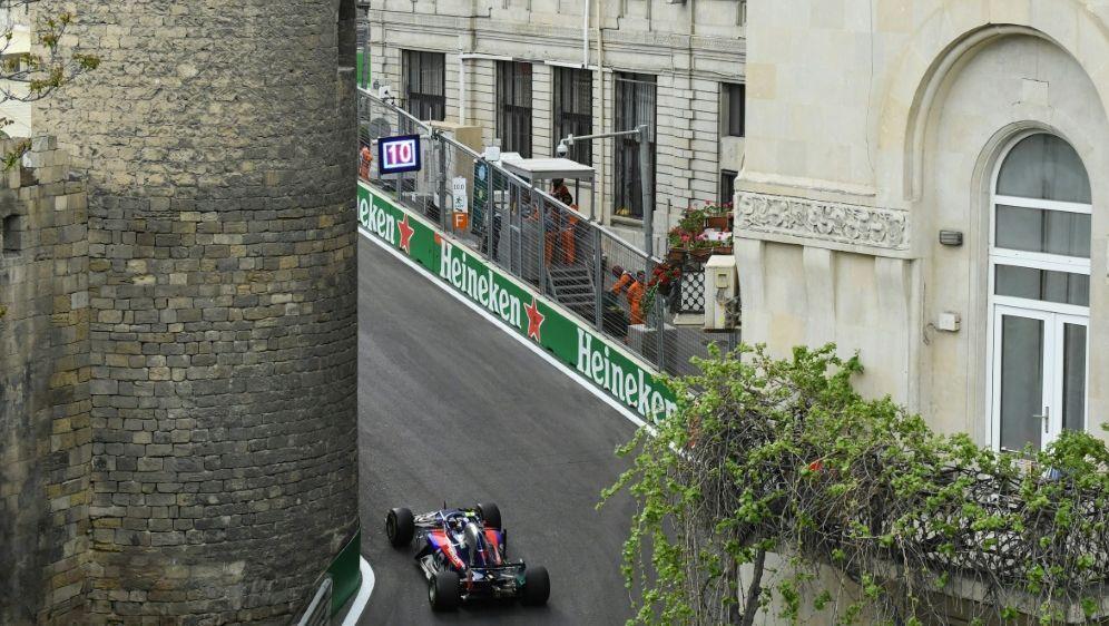 Die Formel 1 bleibt Baku bis 2023 erhalten - Bildquelle: AFPSIDKIRILL KUDRYAVTSEV