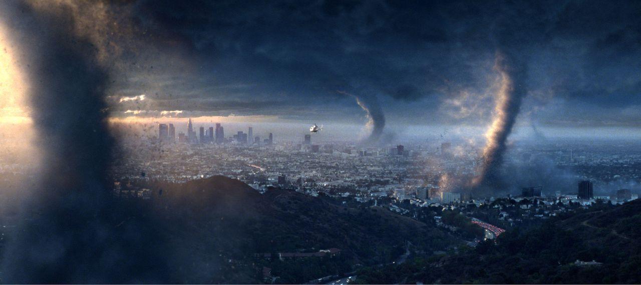 Jahrelang wurde über die Folgen der Umweltverschmutzung gesprochen, doch wirklich vorbereitet ist keiner auf die Katastrophe, die über Nacht hereinb... - Bildquelle: 2004 Twentieth Century Fox Film Corporation. All rights reserved.