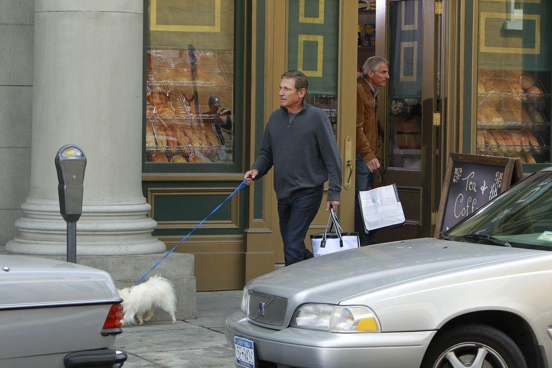Anstatt Woody Allen, treffen Marshall, Ted, Lily, Robin und Barney auf Maury Povich (Maury Povich) ... - Bildquelle: 20th Century Fox International Television