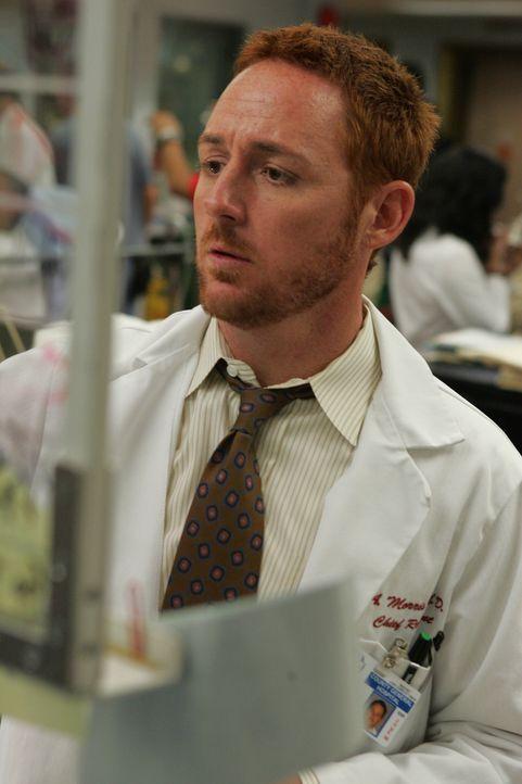 Wieder einmal ist in der Notaufnahme die Hölle los. Morris (Scott Grimes) gibt sein bestes um möglichst viele Patienten zu helfen ... - Bildquelle: Warner Bros. Television