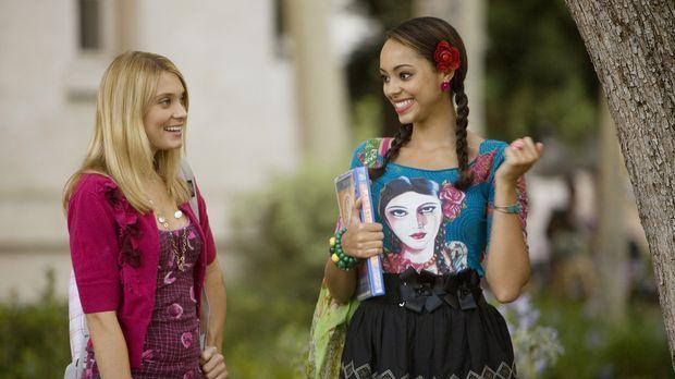 Während Casey (Spencer Grammer, l.) Probleme mit Frannie hat, hat Ashleigh (A...