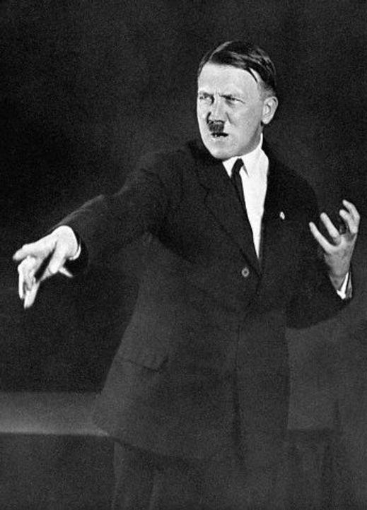 Posiert für den Fotografen: Adolf Hitler - Bildquelle: Heinrich Hoffmann Bettmann/CORBIS