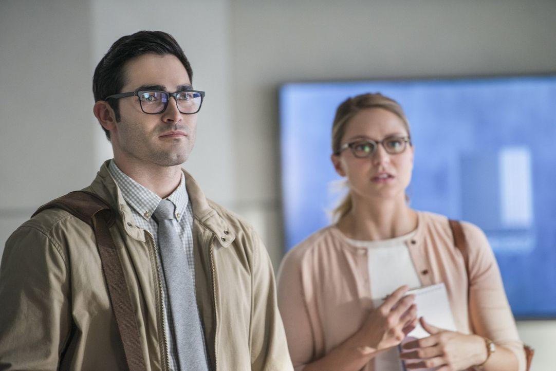 Müssen gemeinsam eine neue Bedrohung aufhalten: Kara alias Supergirl (Melissa Benoist, r.) und Clark alias Superman (Tyler Hoechlin, l.) ... - Bildquelle: 2016 Warner Bros. Entertainment, Inc.