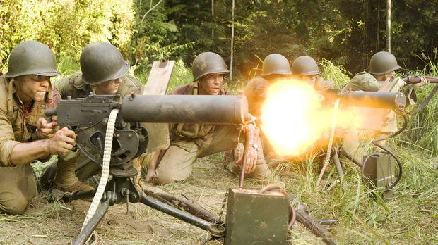 Der Kampf auf Guadalcanal geht weiter - es gilt, das Flugfeld Henderson Field...