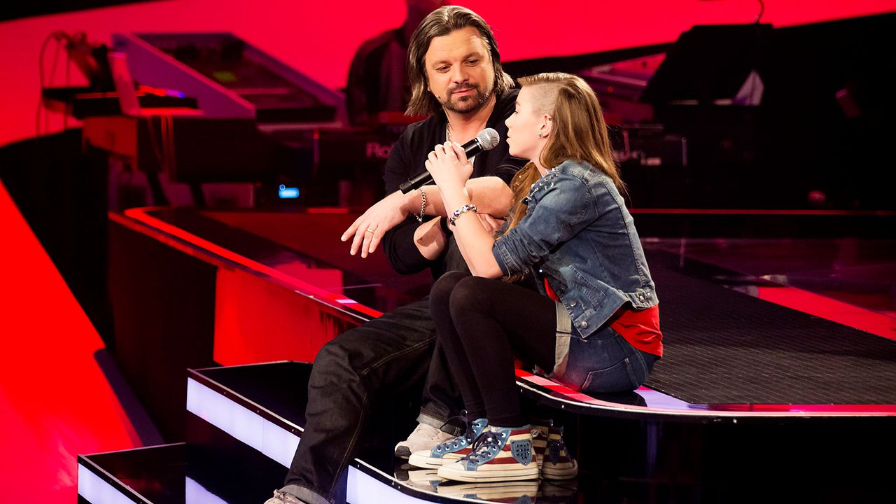 The-Voice-Kids-epi03-danach-Stephanie-2-SAT1-Richard-Huebner - Bildquelle: SAT.1/Richard Hübner