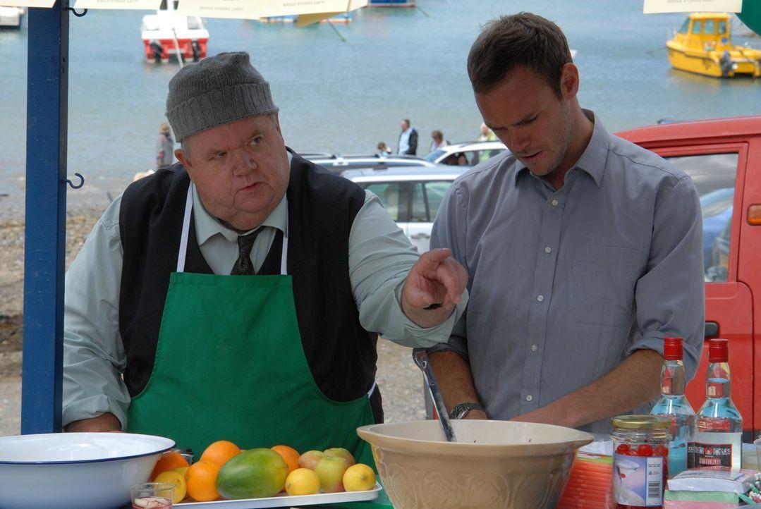 Auch auf Bert (Ian McNeice, r.) und Al (Joe Absolom, l.) wartet ein ereignisreicher Tag, der alles verändern wird ... - Bildquelle: BUFFALO PICTURES/ITV
