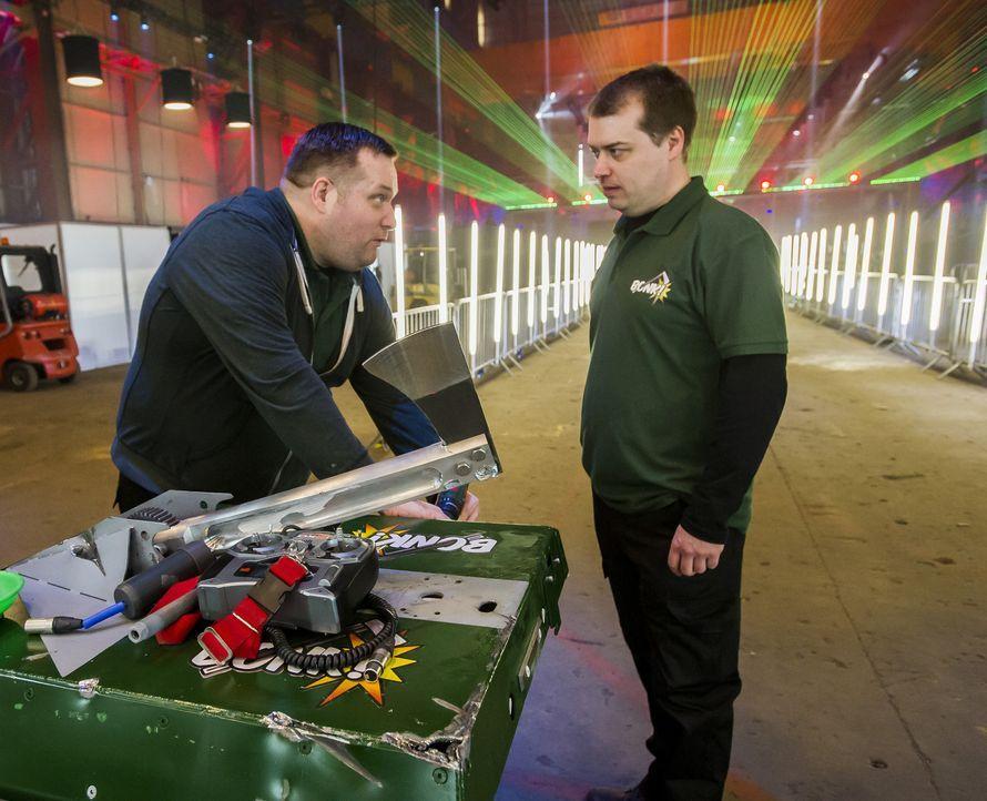 Hat das Team Bonk das nötige technische Know-How, um ihren Roboter in der Kampfarena unschlagbar zu machen? - Bildquelle: Alan Peebles