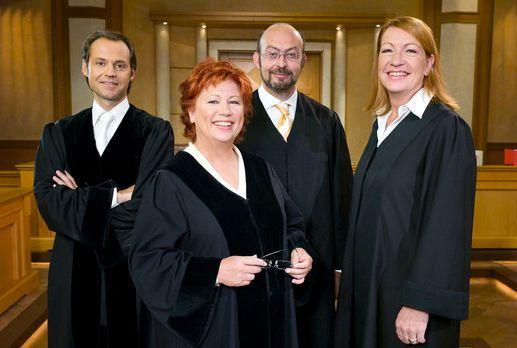 Richterin Barbara Salesch - v.l.n.r. Bernd Römer, Barbara Salesch, Uwe Kreche...