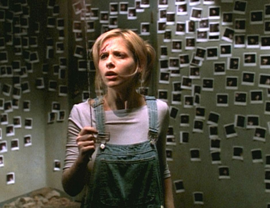 Buffy (Sarah Michelle Gellar) wurde all ihrer Kraft beraubt und muss sich nun einem gefährlichen Vampir stellen. - Bildquelle: TM +   2000 Twentieth Century Fox Film Corporation. All Rights Reserved.