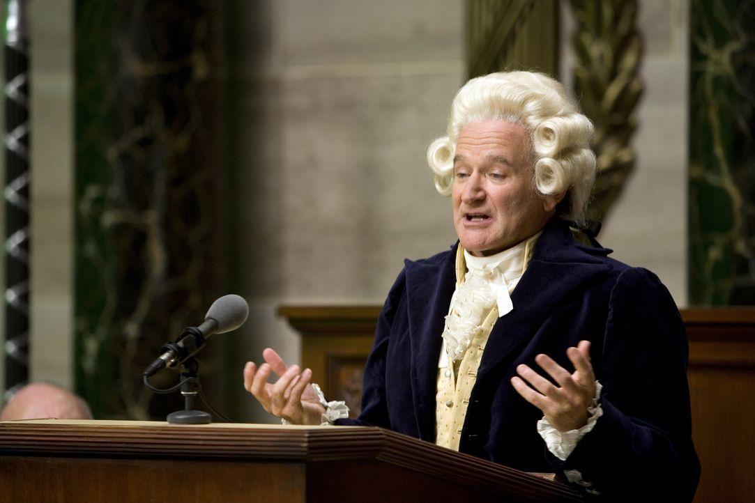 Zunächst auf dem Parkett der politischen Reden noch unsicher, besinnt sich Dobbs (Robin Williams) schließlich auf seine einzig richtige Qualität: se... - Bildquelle: Morgan Creek International