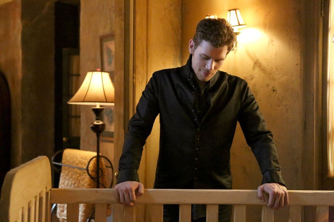 Wird Klaus (Joseph Morgan) seine Tochter nun endgültig an Hayley verlieren? - Bildquelle: Warner Bros. Entertainment Inc.