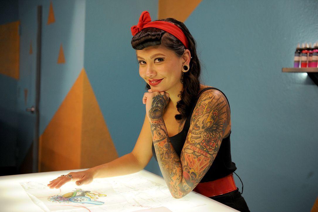 Der Tattoo Stil von Reese Hilburn fällt in die Kategorie: Realistisch mit kleinen surrealen Details ... - Bildquelle: Jeff Daly spike