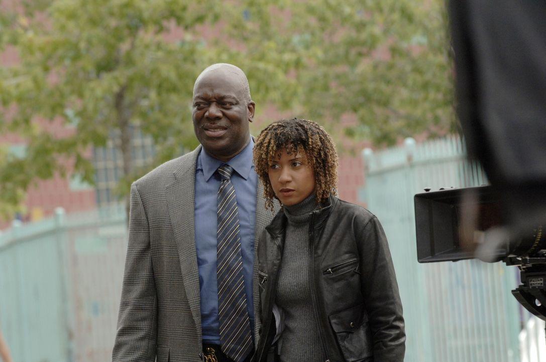 Ermitteln in einem neuen Fall: Will Jeffries (Thom Barry, l.) und Kat Miller (Tracie Thoms, r.) ... - Bildquelle: Warner Bros. Television