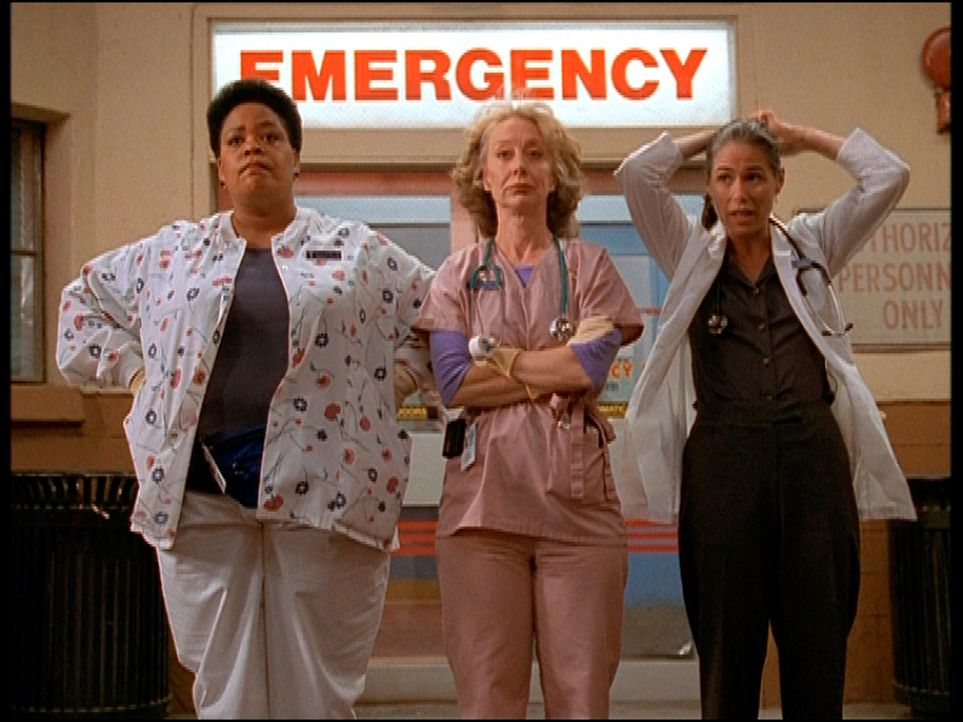 (v.l.n.r.) Haleh (Yvette Freeman), Wright (Ellen Crawford) und Oligario (Conni Marie Brazelton) sind neidisch auf ihre ehemalige Kollegin ... - Bildquelle: TM+  2000 WARNER BROS.