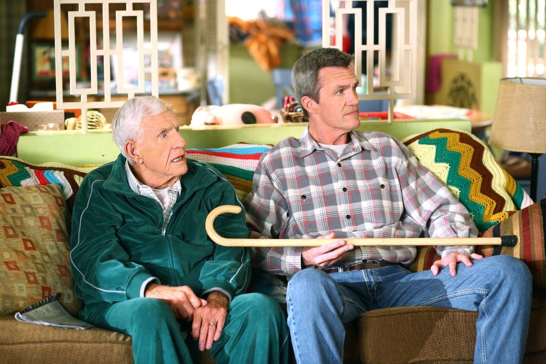 Tag (Jerry Van Dyke, l.); Mike (Neil Flynn, r.) - Bildquelle: Warner Brothers