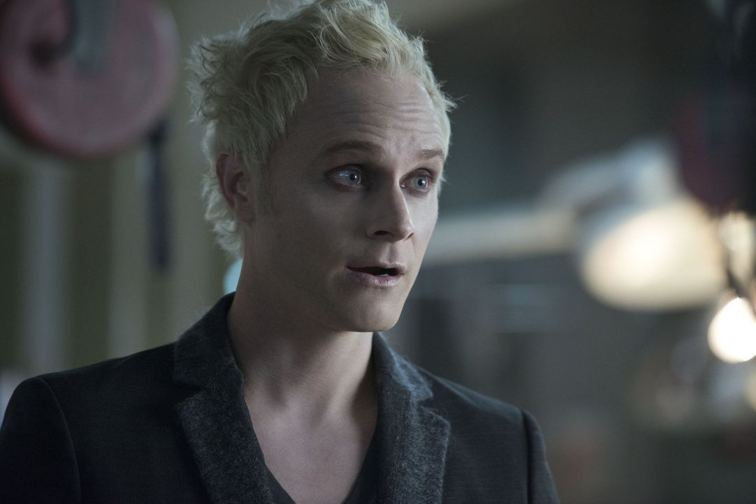 Was treibt Blaine (David Anders) wirklich zu Liv ins Leichenschauhaus? - Bildquelle: Warner Brothers