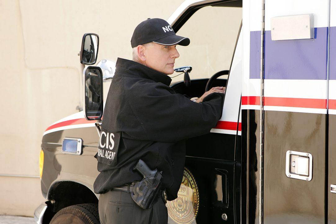 Seitdem deutlich wird, dass der erschossene Brent Langer nicht der vom NCIS gesuchte Maulwurf ist, arbeiten Gibbs (Mark Harmon), sein Team und Direk... - Bildquelle: CBS Television
