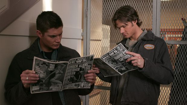 Ein neuer mysteriöser Fall beschäftigt Sam (Jared Padalecki, r.) und Dean Win...