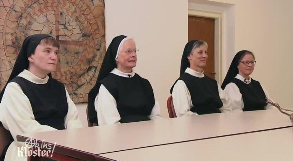 Ab Ins Kloster Rosenkranz Statt Randale Video Jessica Jill