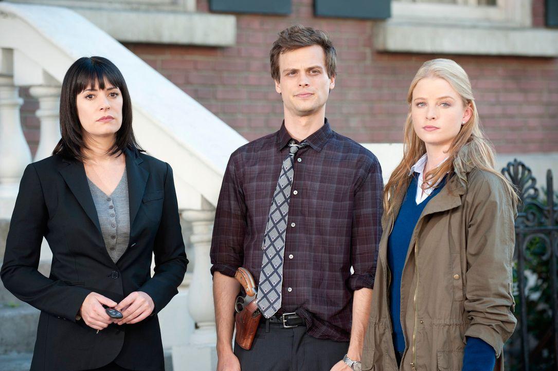 Stehen vor einem Rätsel: Prentiss (Paget Brewster, l.), Reid (Matthew Gray Gubler, M.) und Ashley (Rachel Nichols, r.) ... - Bildquelle: ABC Studios