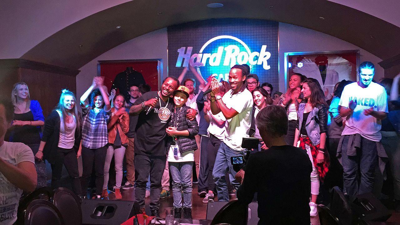 Backstage-Madcon-Überraschung2 - Bildquelle: SAT.1