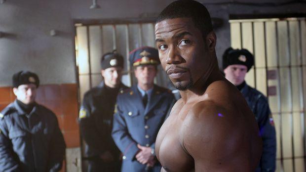 US-Berufsboxer George Chambers (Michael Jai White) wird während eines Aufenth...