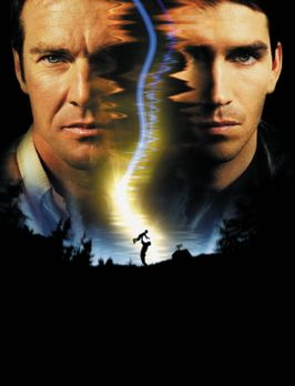 Frequency - Frequency: Toter Vater (Dennis Quaid, l.) und lebender Sohn (Jame...