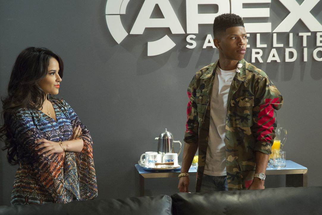Hakeem (Bryshere Y. Gray, r.) muss entsetzt feststellen, dass seine Geliebte Valentina (Becky G., l.) einen anderen Plan verfolgt ... - Bildquelle: Chuck Hodes 2015-2016 Fox and its related entities.  All rights reserved.