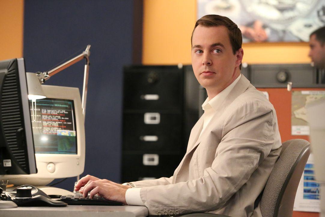 McGee (Sean Murray) macht durch seinen neuen Fall die Bekanntschaft des Ex-Marines Freddie Linn, der ihn total beeindruckt ... - Bildquelle: CBS Television