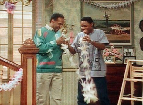Bill Cosby Show - Cliff (Bill Cosby, l.) und Theo (Malcolm-Jamal Warner, r.)...