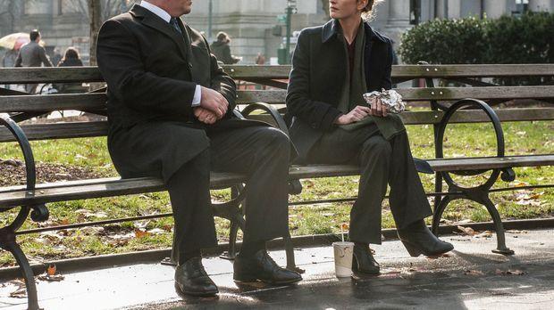 Gehört Kate (Megan Ketch, r.) zu Danny oder nicht? Nicht nur Garrett (Gregory...