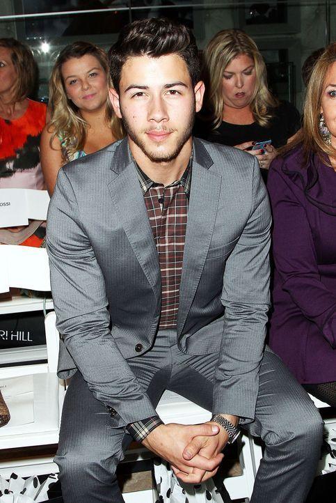 Fashionweek-NY-Nick-Jonas-13-09-09-AFP
