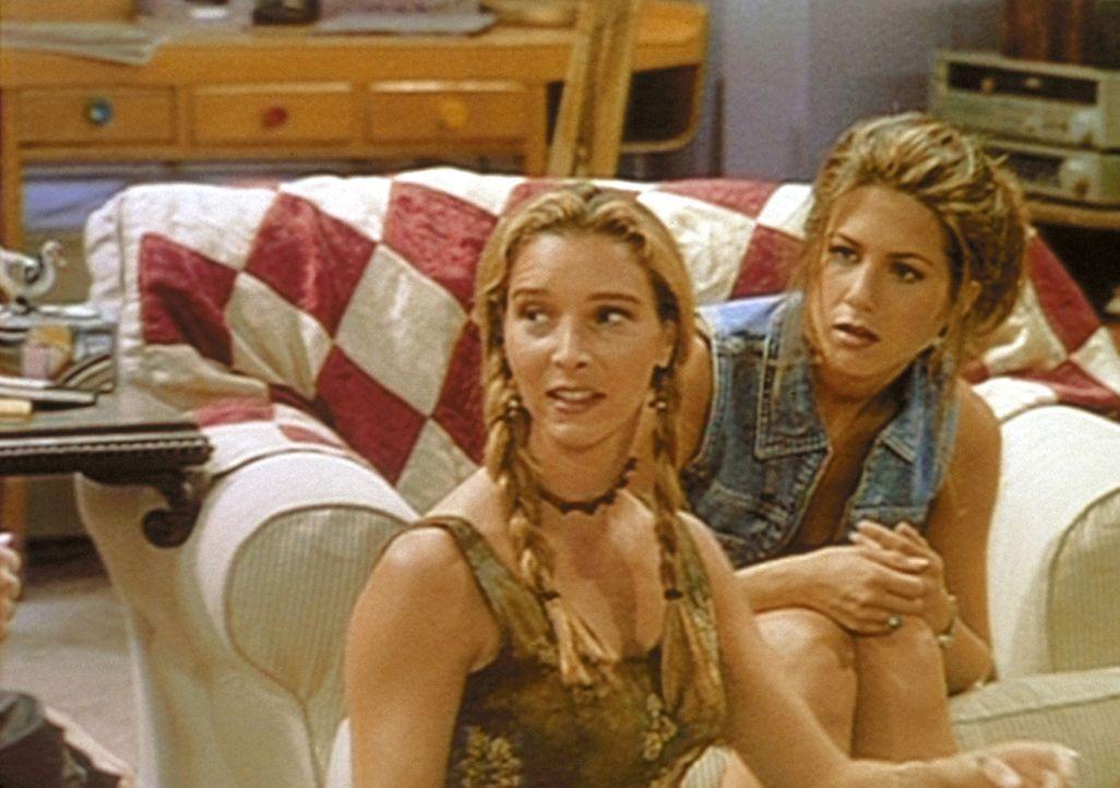 Monicas Freundinnen Phoebe (Lisa Kudrow, l.) und Rachel (Jennifer Aniston, r.) können nicht glauben, dass sie sich von Alan trennen will. - Bildquelle: TM+  2000 WARNER BROS.