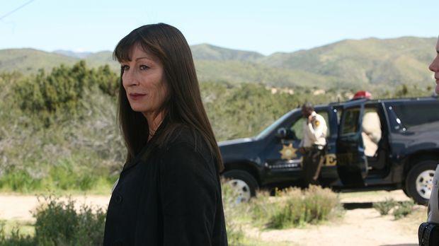 Wird Cynthia Keener (Anjelica Huston) die junge Bethany dazu bewegen, Christo...