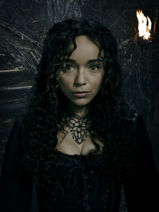 (3. Staffel) - Tituba (Ashley Madekwe) muss erkennen, welche Folgen es für die Erde haben wird, dass die Essex Hexen dem Teufel den Weg in diese Wel... - Bildquelle: Justin Stephens 2016-2017 Fox and its related entities.  All rights reserved.