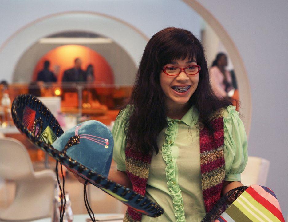 """Betty (America Ferrera) kehrt überglücklich aus Mexiko an ihren Arbeitsplatz zurück. Doch bei """"Mode"""" ist die Stimmung eher bedrückt ... - Bildquelle: Buena Vista International Television"""