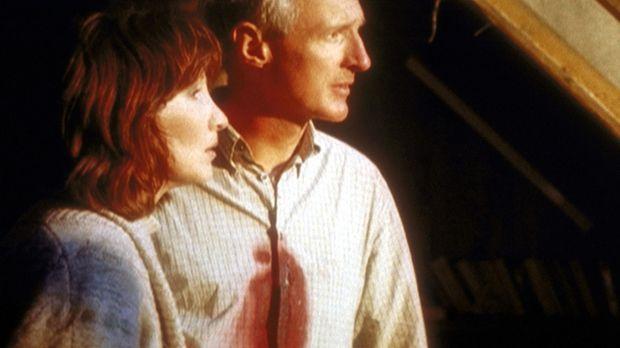 Leslie (Joanna Gleason, l.) und Stan (Michael Gross, r.) können es noch gar n...