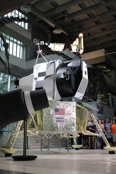 """Das """"Creative Arts""""-Team baut für den Discovery Park of America, eines der Hauptmuseen im Süden der USA, einen Panzer vom Typ Mark 1. Er revolutioni... - Bildquelle: 2014 A&E TELEVISION NETWORKS, LLC."""