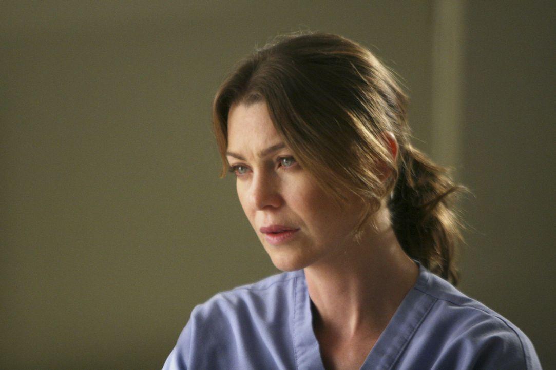 Meredith (Ellen Pompeo) kommt damit nicht klar, dass Derek sich mit anderen Frauen trifft. Sie nimmt sich vor, es ihm zu sagen .... - Bildquelle: Touchstone Television