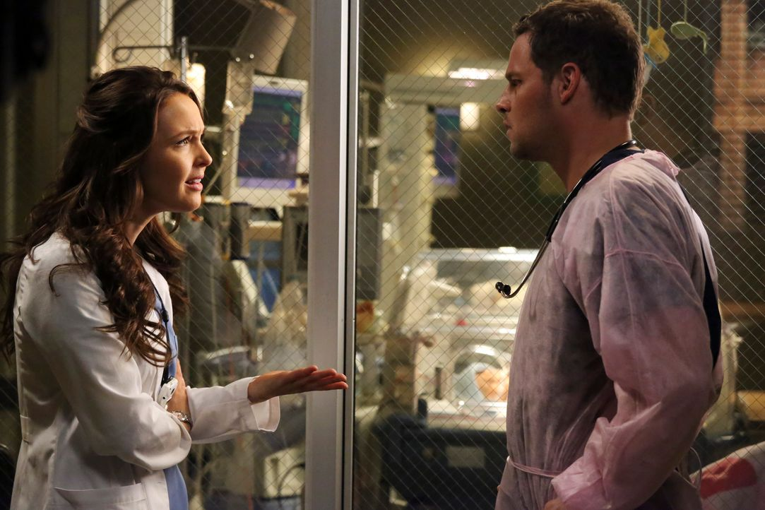 Jo (Camilla Luddington, l.) ist enttäuscht und stellt Alex (Justin Chambers, r.) wütend zur Rede. Er hat sehr vertrauliche Dinge über ihre Vergangen... - Bildquelle: ABC Studios