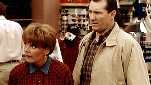 Al (Ed O'Neill, r.) hat es eilig beim Einkaufen, doch Marcy (Amanda Bearse, l...
