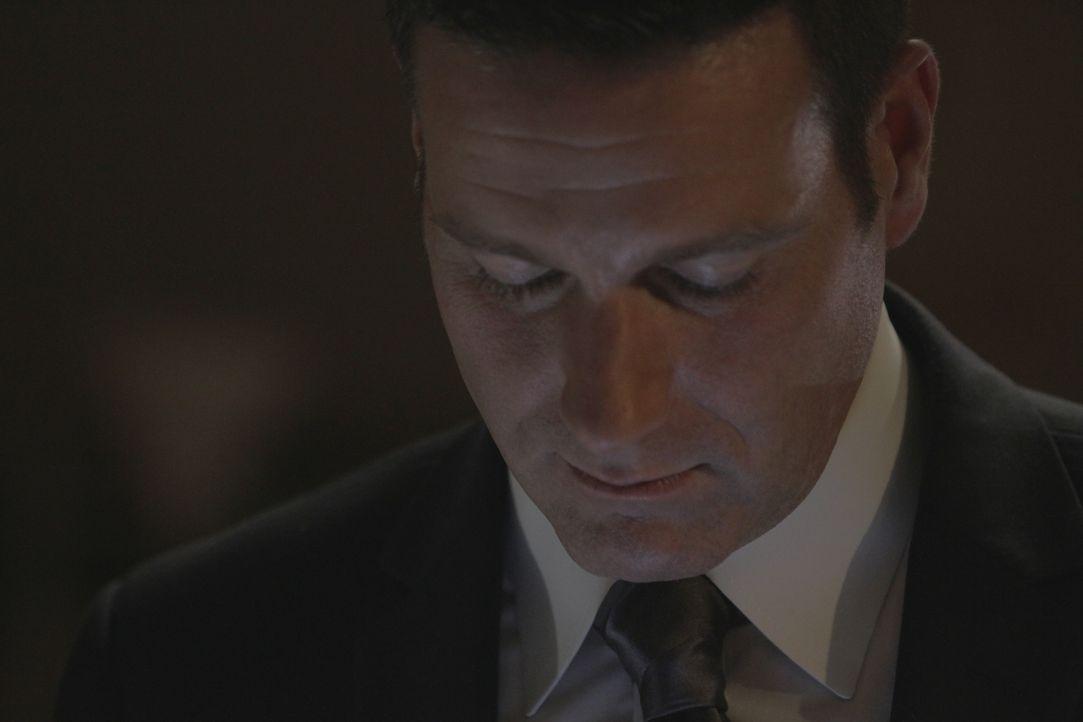 Als der junge Irak-Kriegsveteran Curtis Ashley tot aufgefunden wird, muss Lt. Joe Kenda (Carl Marino) den Fall mit nur einer Bagatelle an Beweisen l... - Bildquelle: Jupiter Entertainment